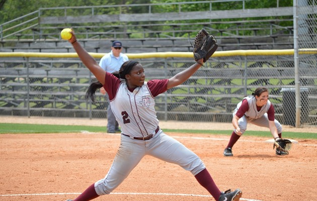 Softball splits a pair on day two of SELU Tournament